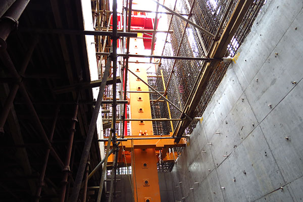 Floor climbing Hydraulic Concrete Placing Boom